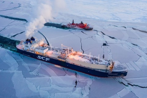 Arctic shipper shows off a historical icebreaking voyage